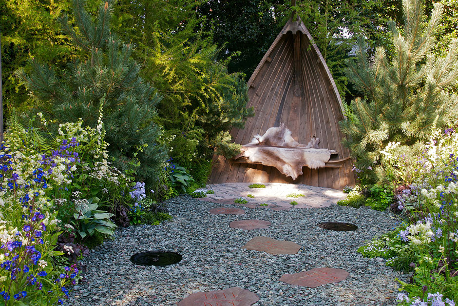 Get the chelsea look inspiration from the 2014 rhs for Garden design ideas rhs