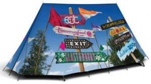field-vandy-road-sign-tent