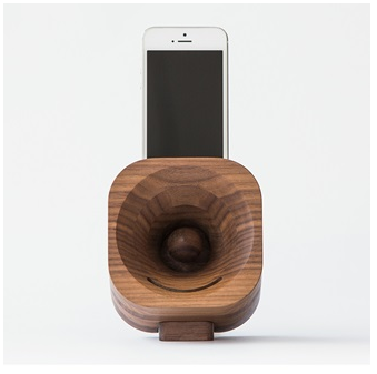 Natural wood smart phone amplifier speaker