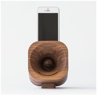 Natural wood smart phone amplifier speaker