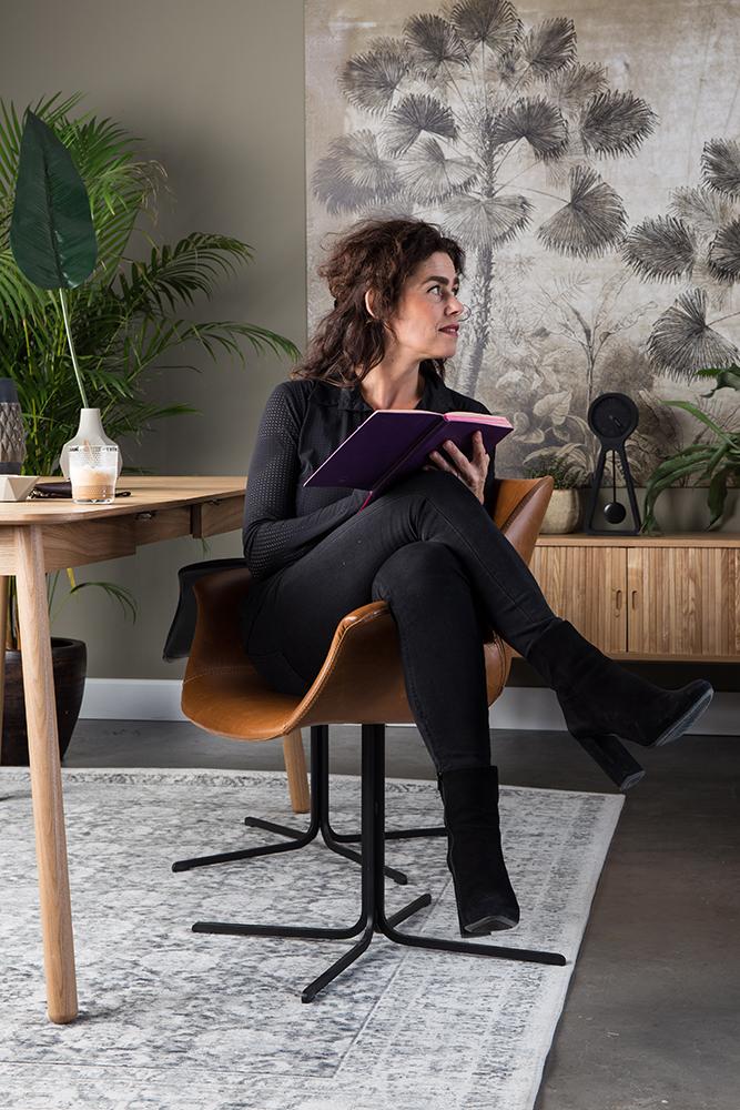 Caroline-Businesswoman