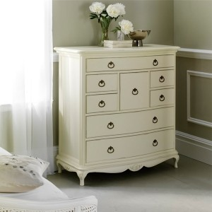 Wallis & Gambier Ivory Wooden Chest of 8 Drawer Unit